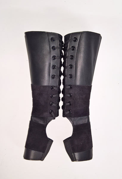 Childrens Black Aerial boots w/suede grips