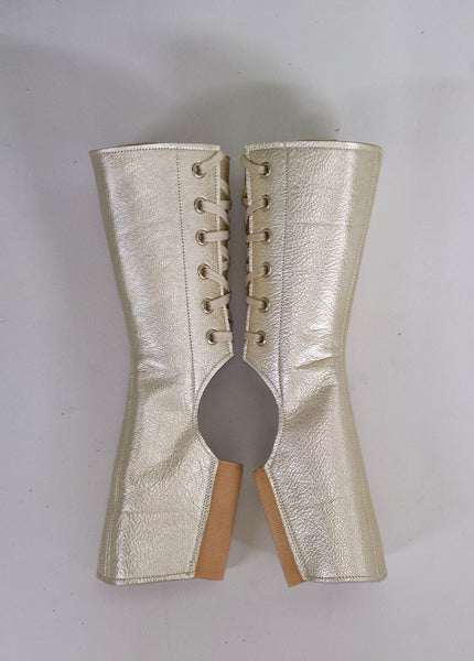Short PLATINUM metallic Aerial boots
