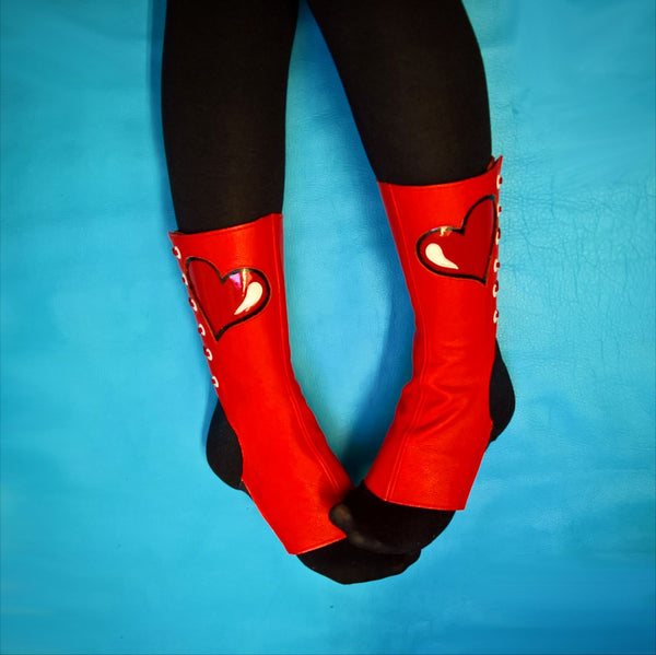 "SAMPLE SALE - ""QUEEN OF HEARTS"" Short Aerial Boots"