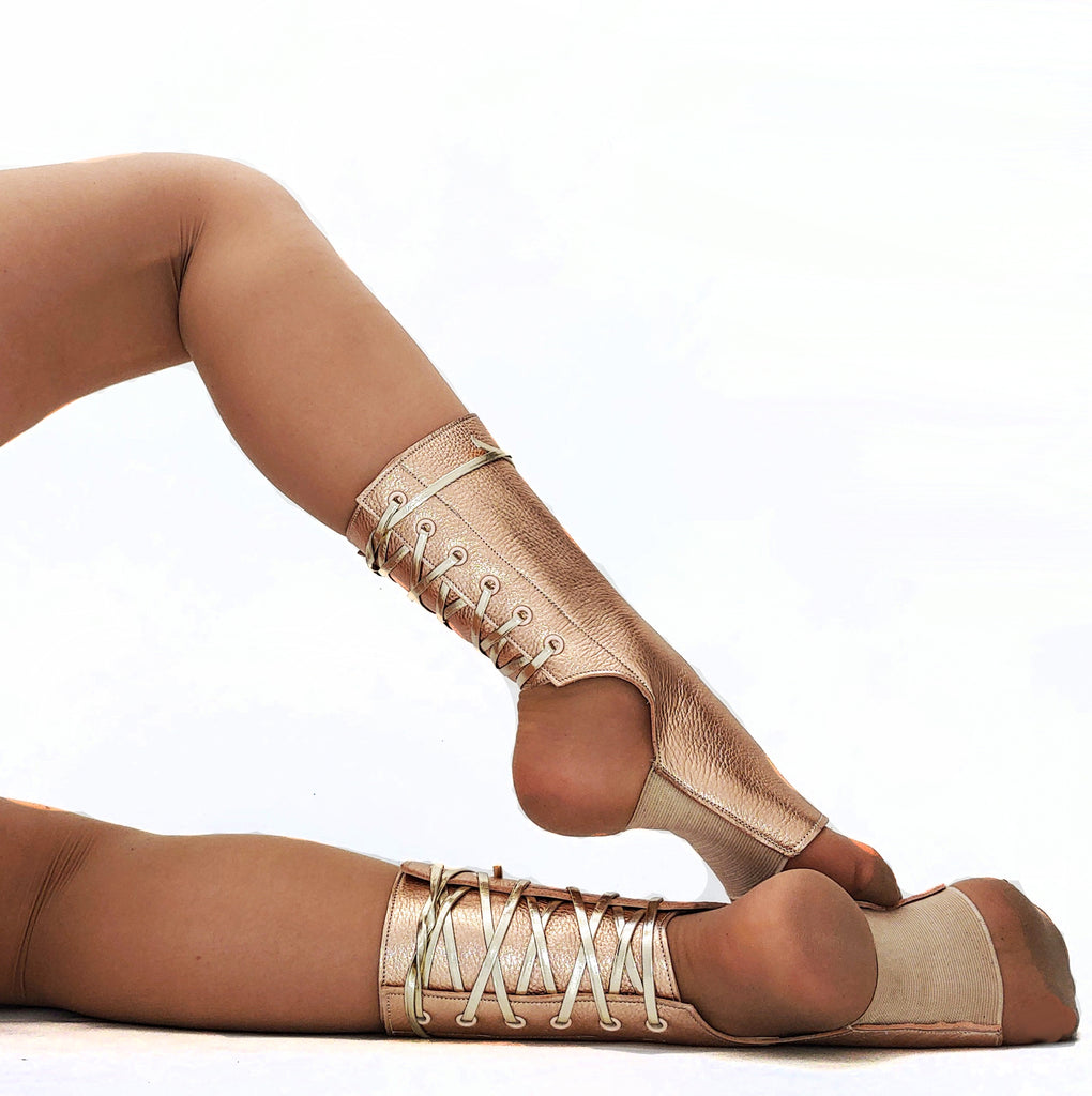 Short Aerial boots in ROSE GOLD Metallic