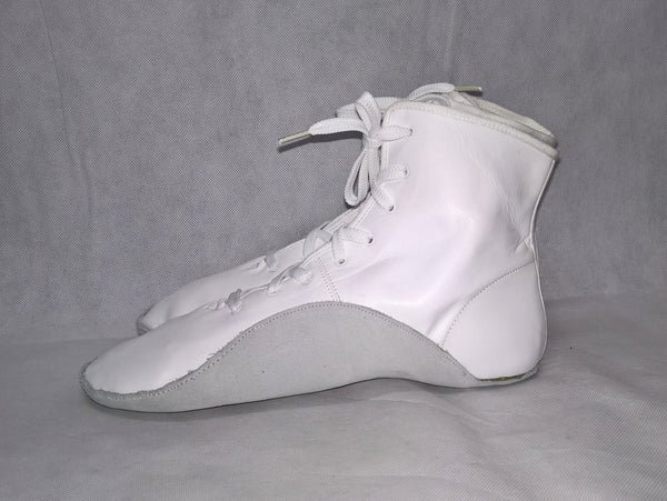 White Tightrope Boots w/ Grey sole UK 8