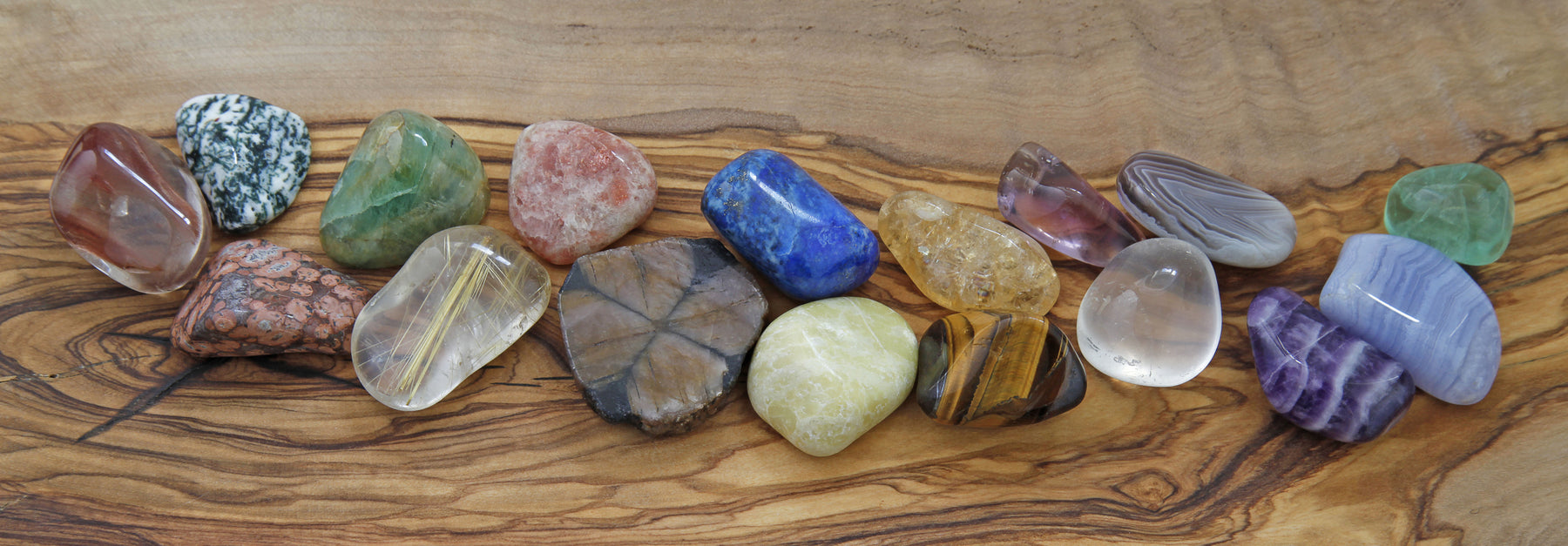 Crystals as Healing Tools in Accordance with the Principle of Vibration by Lune Innate