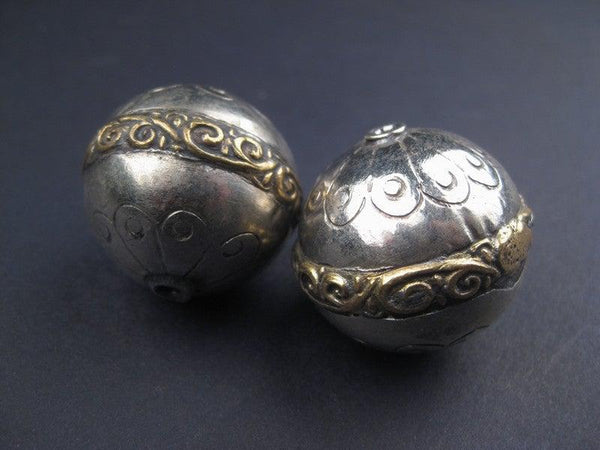 Artisanal Engraved Berber Silver Beads (2 pieces) - The Bead Chest