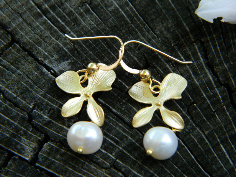Dainty Orchid Earrings, Bridesmaid Earrings, Drop earrings, Pearl Earrings,