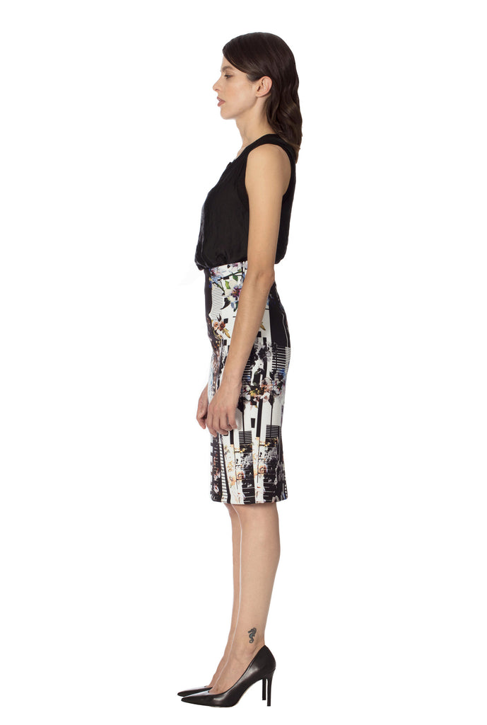 Klarety clarity floral print high waist pencil skirt with back slit for women's workwear, business casual, weekend clothes. SIDE