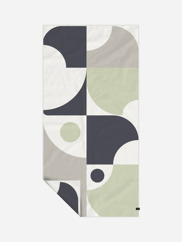 Indoek Surf Shacks Quick-Dry Towel - Slowtide