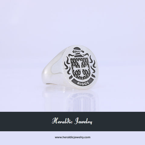 Riggs family crest ring