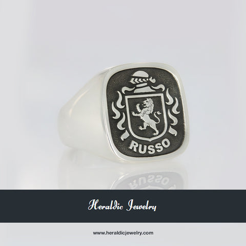 Russo family crest ring