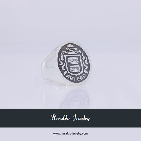 Artero family crest ring