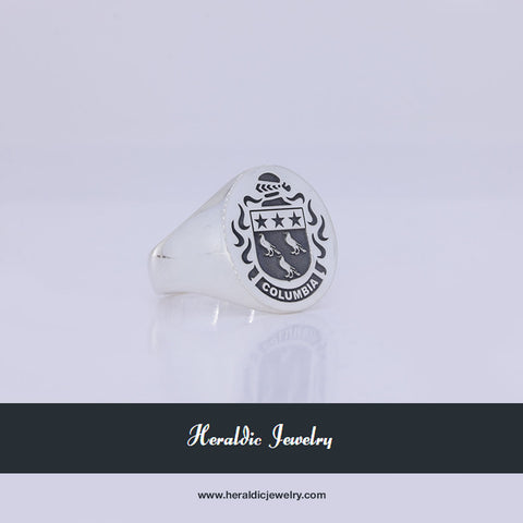 Columbia family crest ring