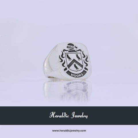 Hooks family crest ring