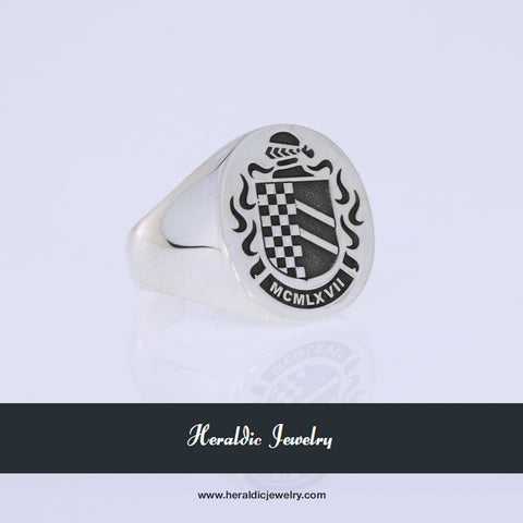 Echevarria family crest ring