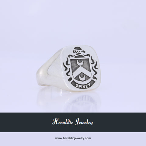 Spivey family crest ring