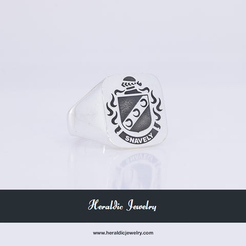 Snavely family crest ring