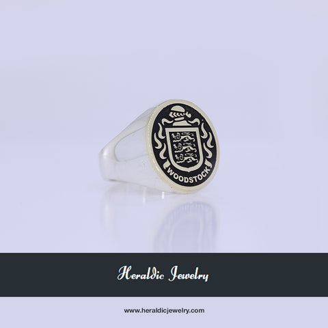 Woodstock family crest ring