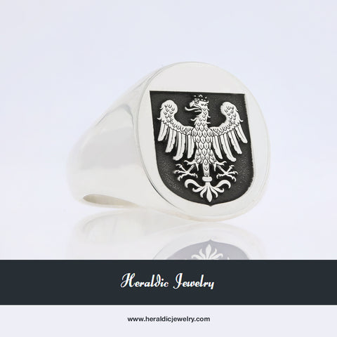Bua family crest ring