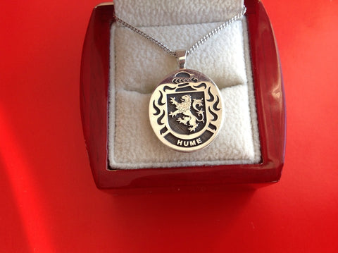 Hume family crest pendant