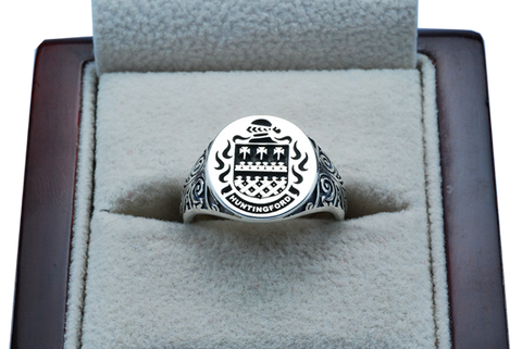 Huntingford ladies family crest ring