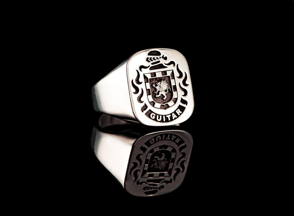 GUITAR ENGRAVED CREST RING