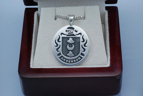 Anderson family crest pendant