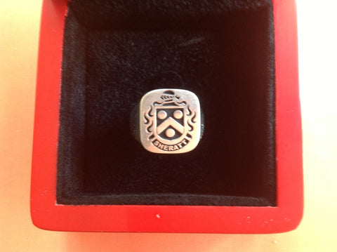 SHERRATT ENGRAVED CREST RING