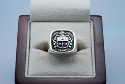 SLOANE RAISED CREST RING