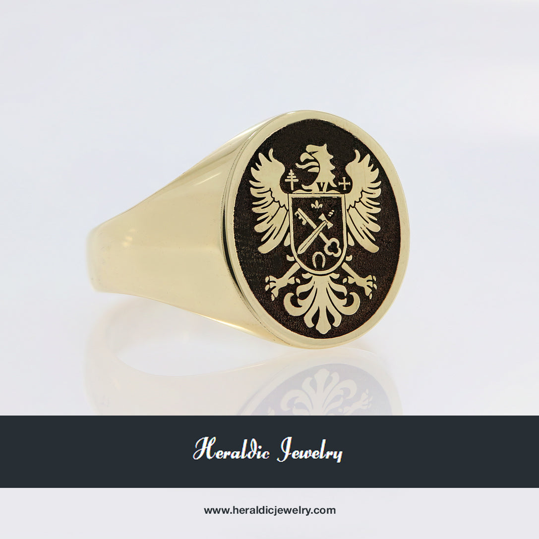 Brown coat of arms ring