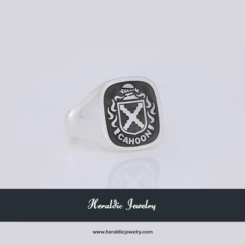 Colquhoun family crest ring