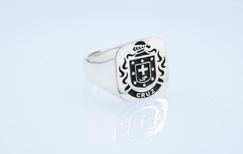 Cruz family crest ring