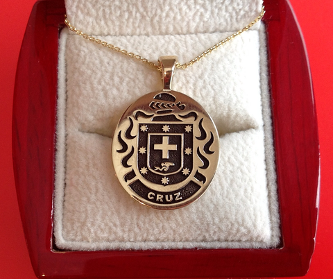 Cruz family crest necklace