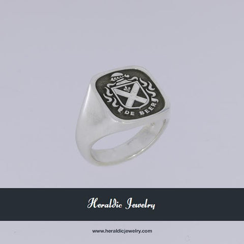 De Beer Family Crest Ring