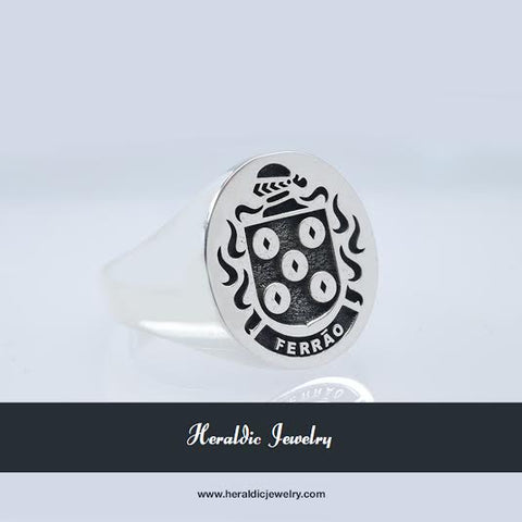 Ferrao family crest ring