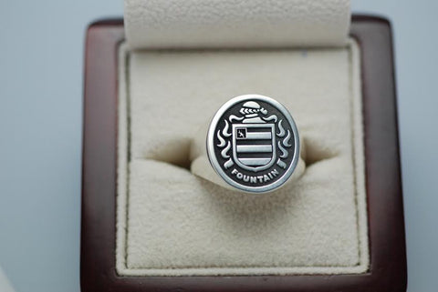 Fountain family crest ring