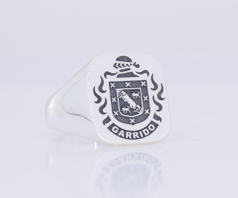 Garrido family crest ring