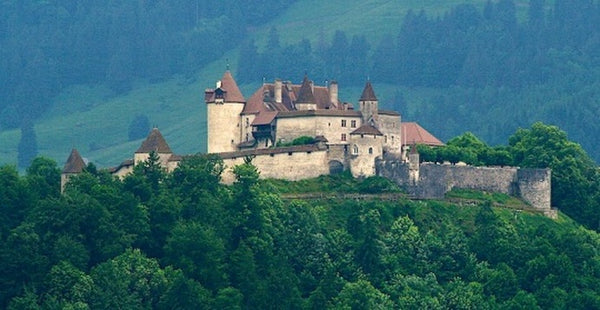Castle spotlight, Chateau de Gruyères, Switzerland