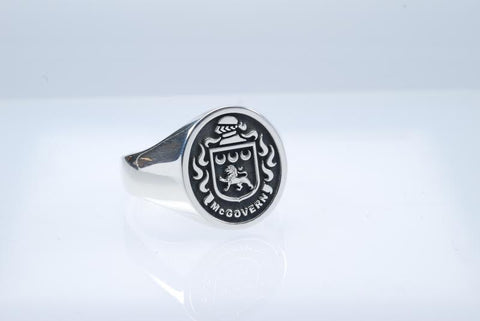 McGovern silver crest ring