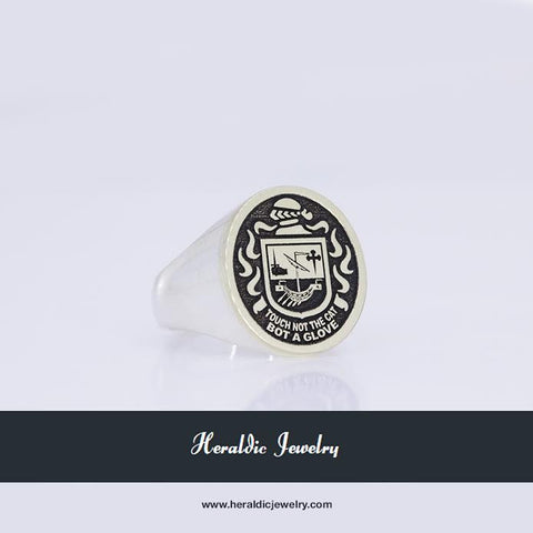 McPherson Gold crest ring