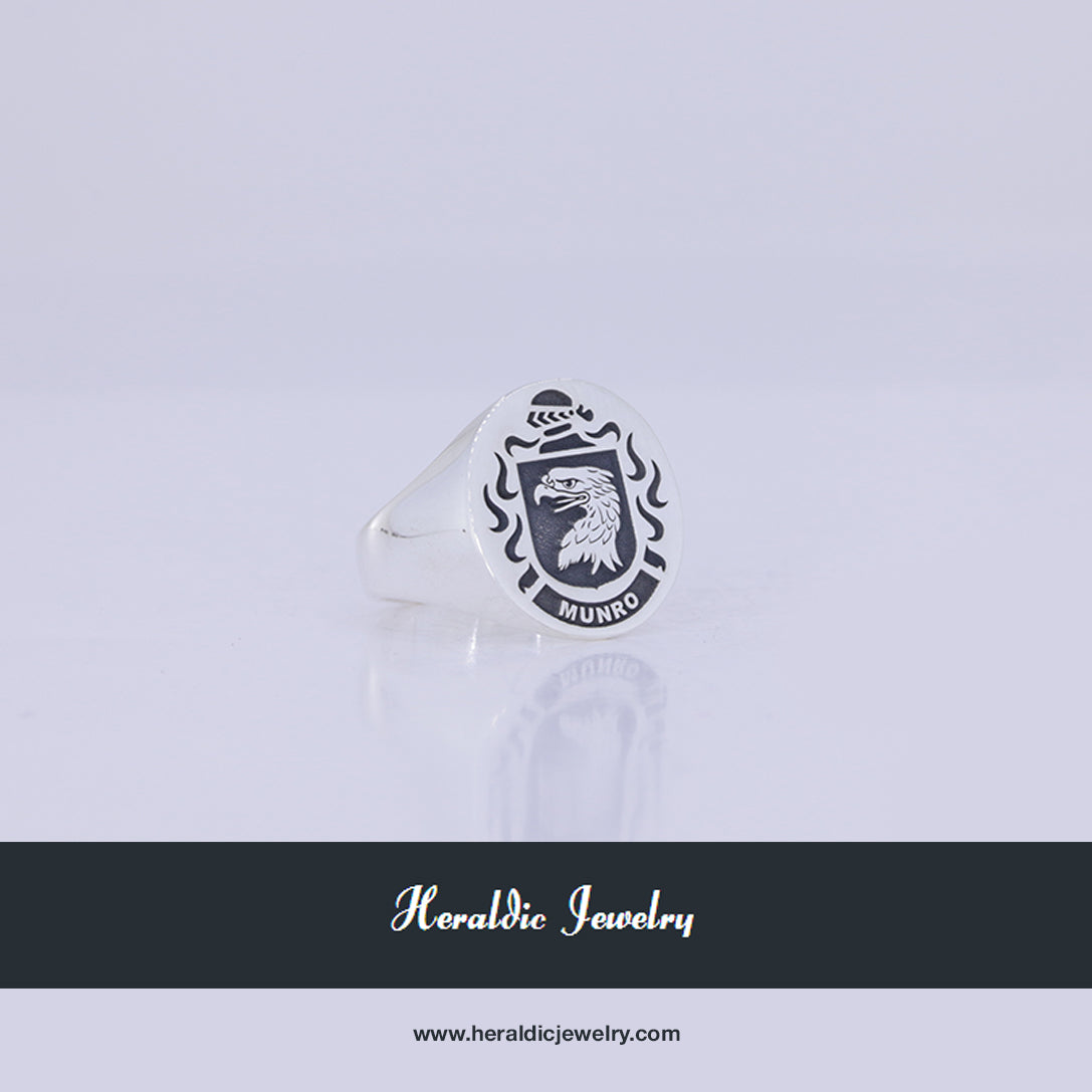Munro family crest ring