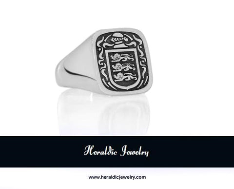 O'Brien family crest ring