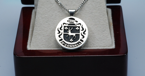 O'Connell family crest pendant