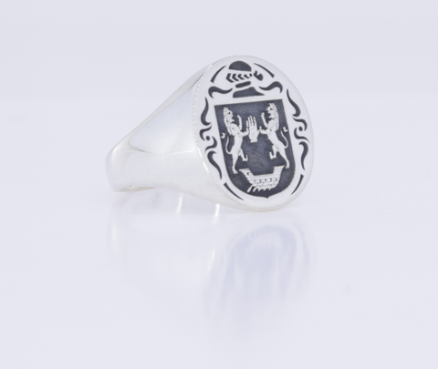 O'Flaherty family crest ring