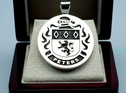 Peters family crest pendant