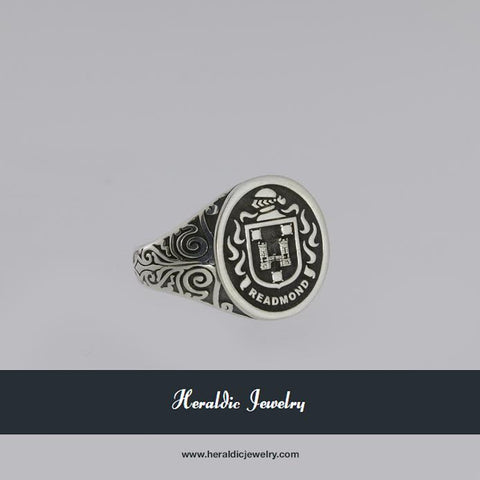 Readmond family crest ring