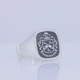 Robinson silver crest ring