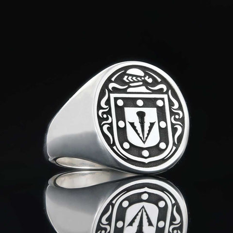 Sharp coat of arms ring