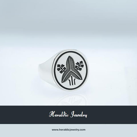 Sato mon family crest ring