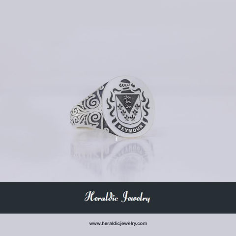 Seymour ladies crest ring
