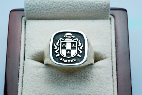 Simons family crest ring