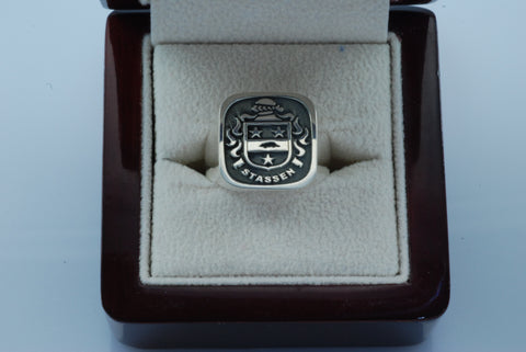 Stassen family crest ring