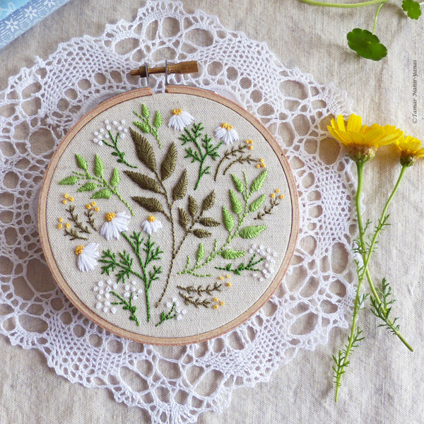 "Green Leaves - 4"" embroidery kit"